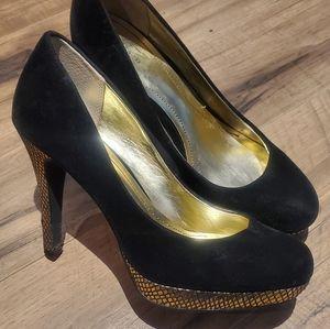 👠 Style & Co Black & Gold Velvet Platform Heels